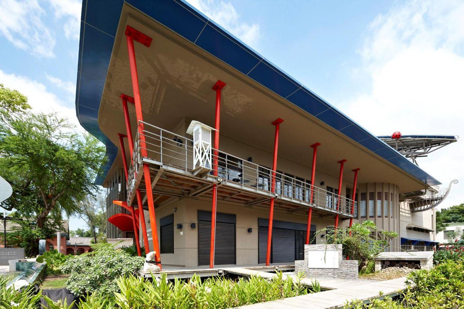 Magic school green building of national chung kung university